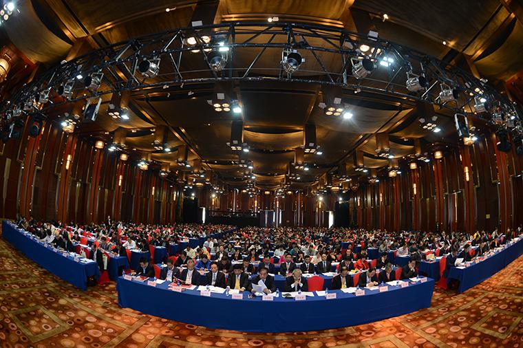 中国服装协会第六届会员代表大会现场